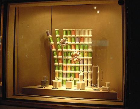 Идея для бизнеса: оформлении магазинных витрин