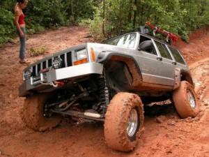 Jeep-Cherokee-fot.-upload.wikimedia.org--220437-616x462