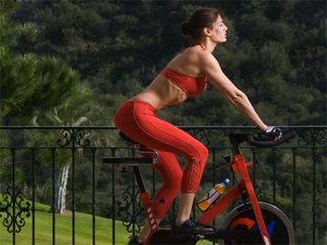 Отличие обычной езды на велосипеде от велоаэробики