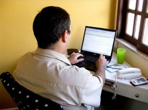 Интервью с онлайн-предпринимателем Бурнисом