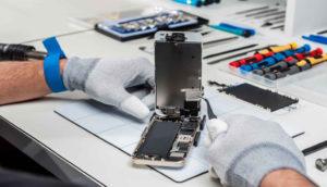 Процесс ремонта нашего айфона
