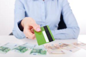 Срочный займ на карту онлайн: выбирайте достойные условия